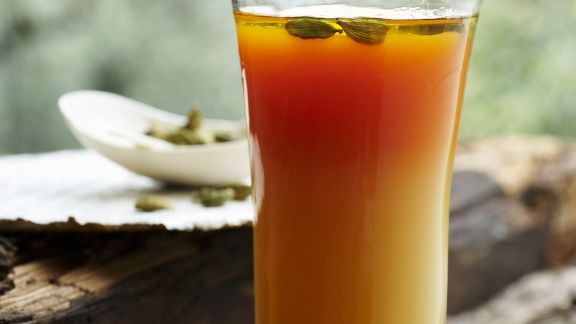 Rezept: Apfel-Karotten-Saft mit Kardamom und Honig