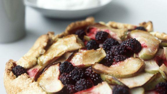 Rezept: Apfel-Tarte mit Brombeeren