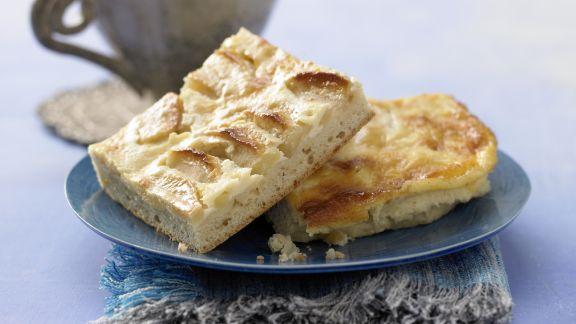 Rezept: Apfelkuchen mit Sauerrahmguss