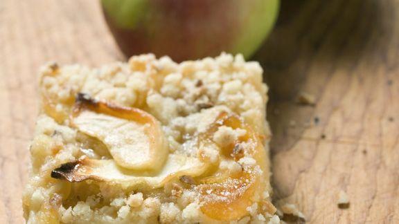 Rezept: Apfelkuchenschnitte mit Streuseln