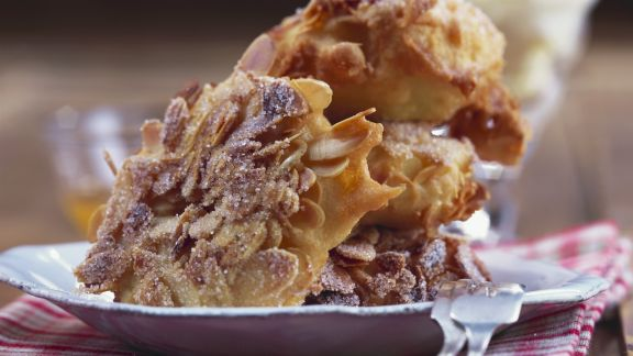 Rezept: Apfelkücherl mit Mandelmantel