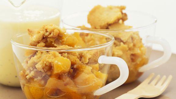 Rezept: Aprikosen-Crumble mit Vanillesoße
