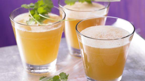 Rezept: Aprikosen-Ingwer-Schorle