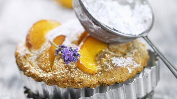 Rezept: Aprikosen-Tortelett mit Lavendel
