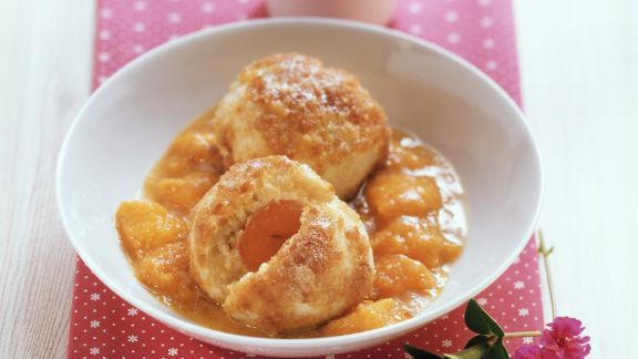 Rezept: Aprikosenknödel mit Kompott