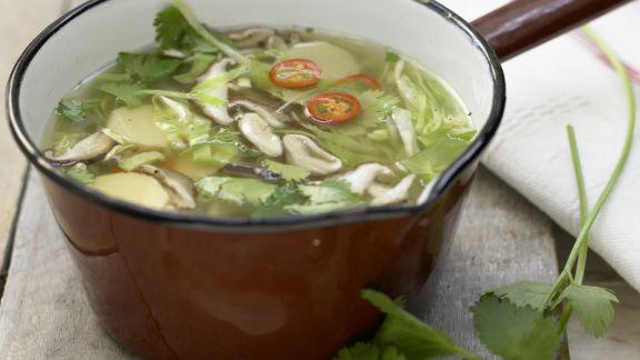 Rezept: Asiatische Kohlsuppe