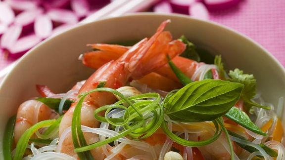 Rezept: Asiatische Nudelpfanne mit Garnelen