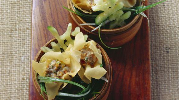 Rezept: Asiatische Teigtaschen mit Schwein-Shrimps-Füllung (Dim Sum)