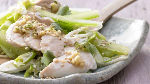 Rezept: Asiatischer Hähnchensalat
