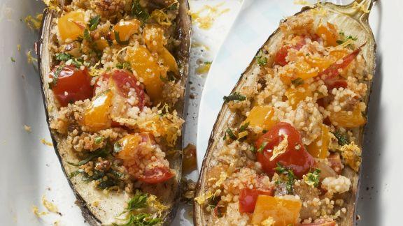 Rezept: Auberginen mit Couscous-Gemüse-Füllung