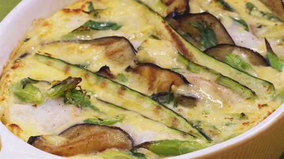 Rezept: Auberginen-Zucchini-Gratin mit Kabeljau