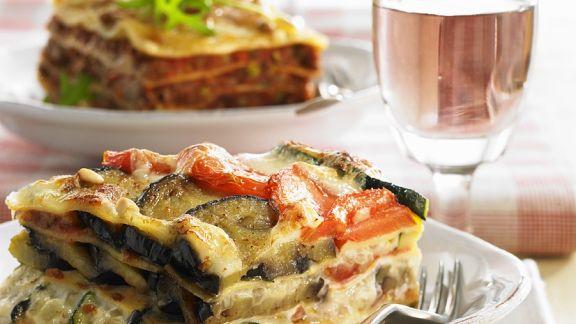 auberginen zucchini lasagne rezept eat smarter. Black Bedroom Furniture Sets. Home Design Ideas