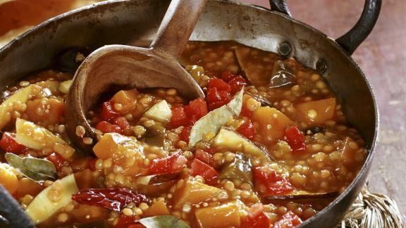 Rezept: Auberginengemüse mit Linsen und Kürbis