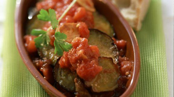 Rezept: Auberginenscheiben mit Tomatensoße