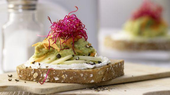 Rezept: Avocado-Frischkäse-Brot