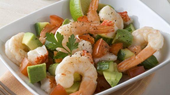Rezept: Avocado-Shrimps-Salat mit Paprika