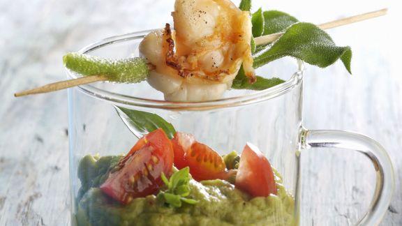 Rezept: Avocadocreme auf mexikanische Art (Guacamole) mit Shrimpsspieß