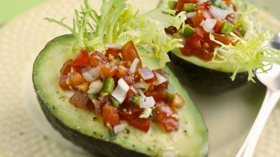 Rezept: Avocados mit Tomaten-Salsa