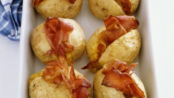 Rezept: Backkartoffeln mit Mais-Bacon-Füllung