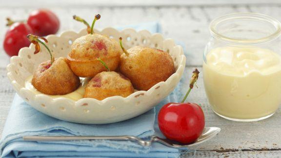 Rezept: Backteig-Kirschen mit Vanillesoße