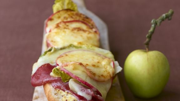 Rezept: Baguette mit Raclettekäse gratiniert