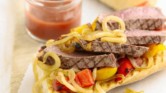 Rezept: Baguette mit Steak, Paprika und Zwiebeln