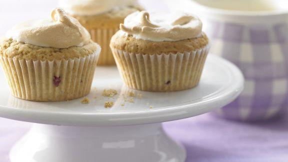Rezept: Baiser-Muffins mit Brombeeren