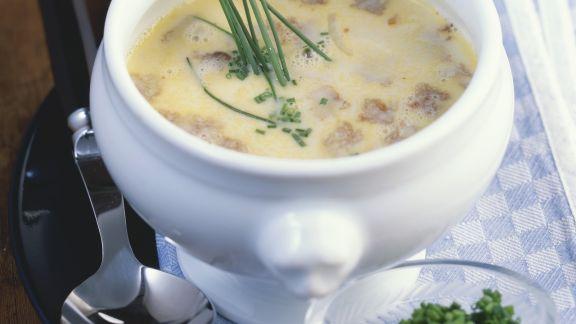 Rezept: Bayerische Brotsuppe mit Schnittlauch