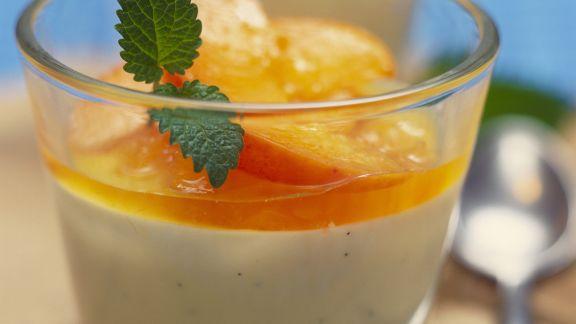 Rezept: Bayrische Creme mit Aprikosen