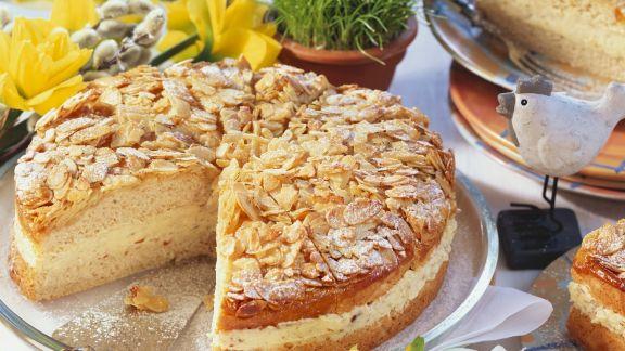 Rezept: Bienenstichkuchen mit Mandelcreme