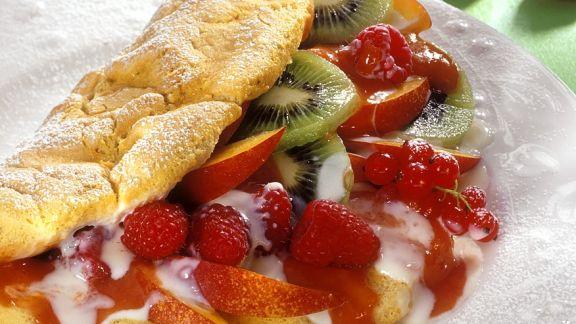 Rezept: Biskuitomelett mit Früchten