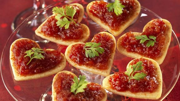 Rezept: Blätterteig-Canapes mit Tomatensauce