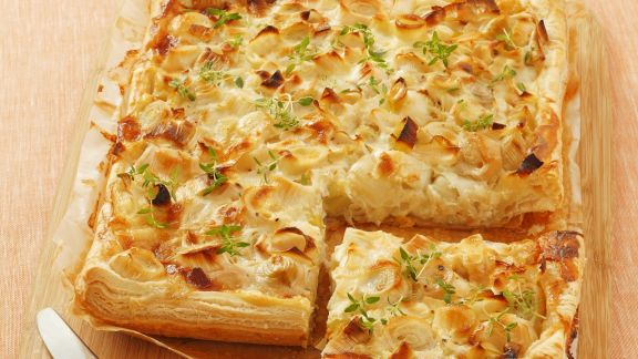 Rezept: Blätterteigkuchen mit Ziegenkäse und Poree