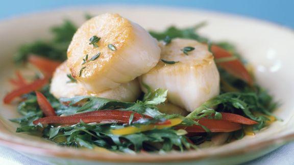 Rezept: Blattsalat mit gegrillten Jakobsmuscheln