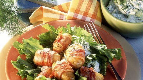 Rezept: Blattsalat mit Kartoffeln im Speckmantel