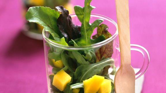 Rezept: Blattsalat mit Mango