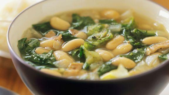 Rezept: Bohnen-Endivien-Suppe
