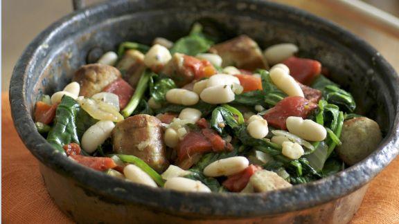 Rezept: Bohnen-Wurst-Pfanne mit Spinat