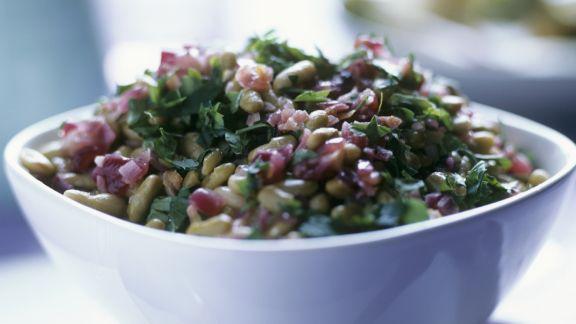 Rezept: Bohnen-Zwiebel-Salat mit Petersilie