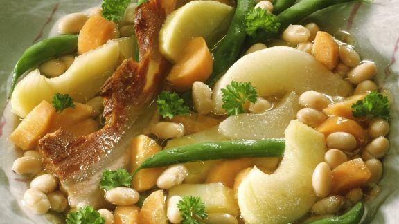 Rezept: Bohneneintopf mit Speck und Birne