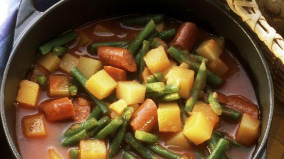 Rezept: Bohneneintopf mit Wurst und Kartoffeln