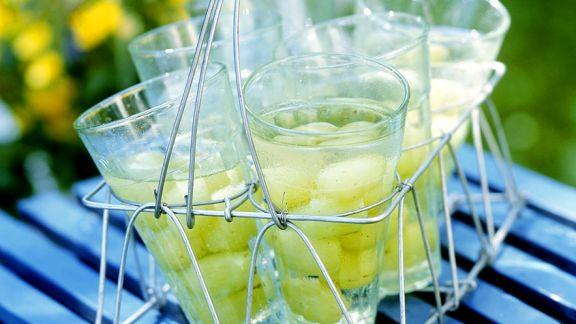 Rezept: Bowle mit Weintrauben