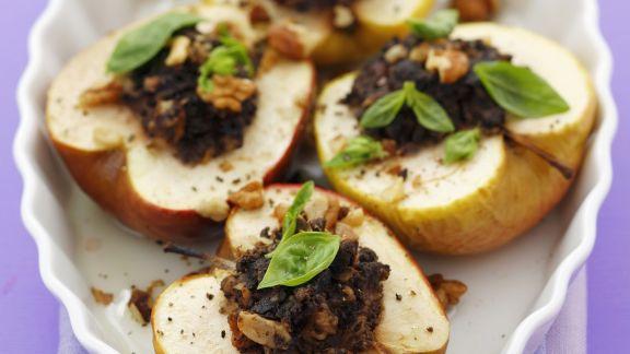 Rezept: Bratäpfel mit Hähnchenleber gefüllt