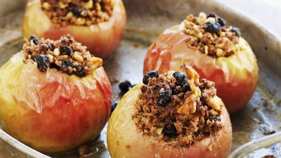 Rezept: Bratäpfel mit Rosinen-Zimt-Füllung
