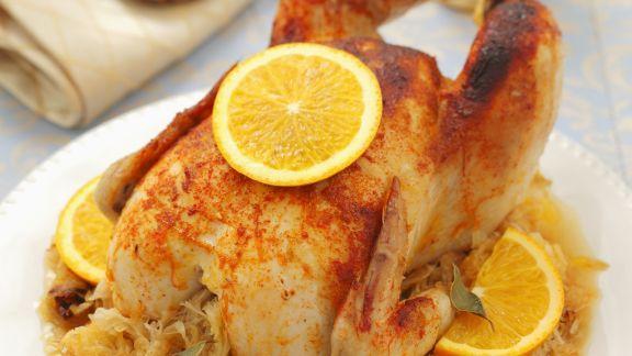 Rezept: Brathuhn mit Sauerkraut und Orangen