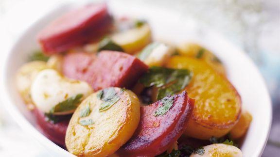 Rezept: Bratkartoffeln mit scharfer spanischer Wurst (Chorizo)