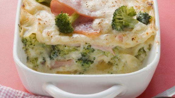 Rezept: Brokkoli-Lasagne mit Schinken