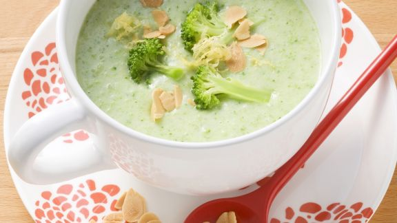 Rezept: Brokkoli-Mandel-Suppe