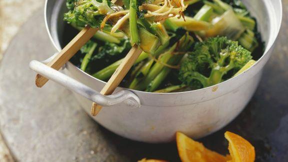 Rezept: Brokkoli nach chinesischer Art mit Orangensauce