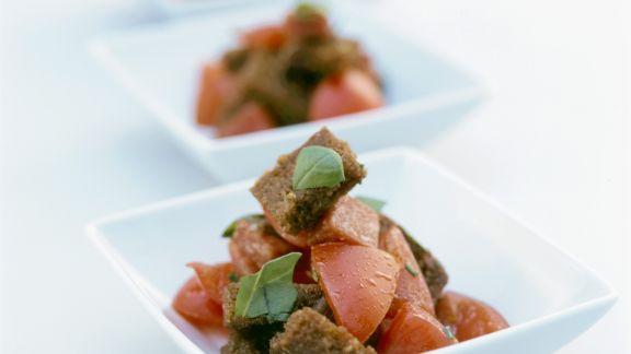 Rezept: Brot-Tomaten-Salat